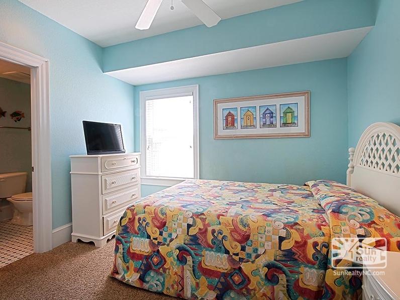 Ground-Level Queen Master Bedroom