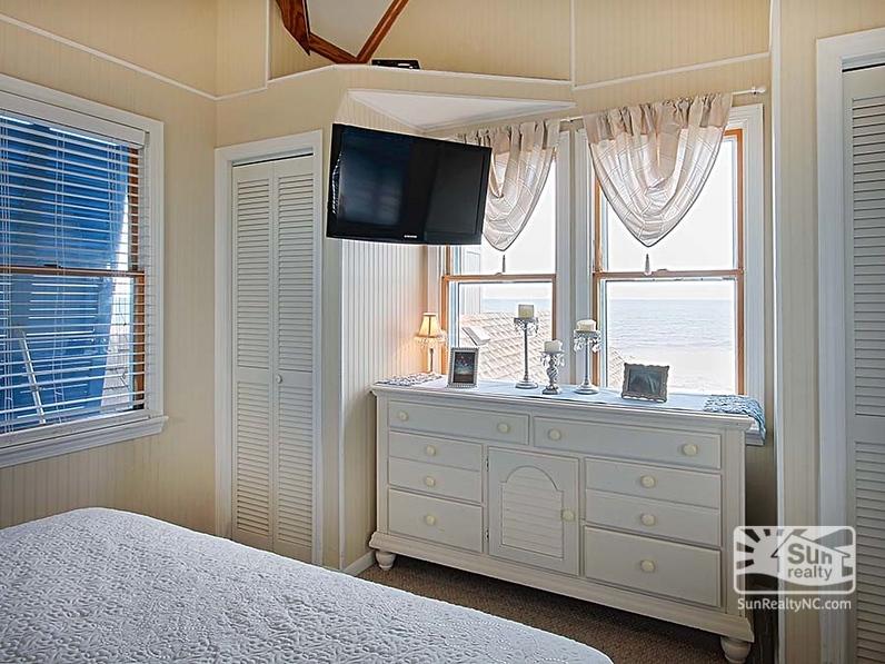 King Bedroom w/ Ocean Views