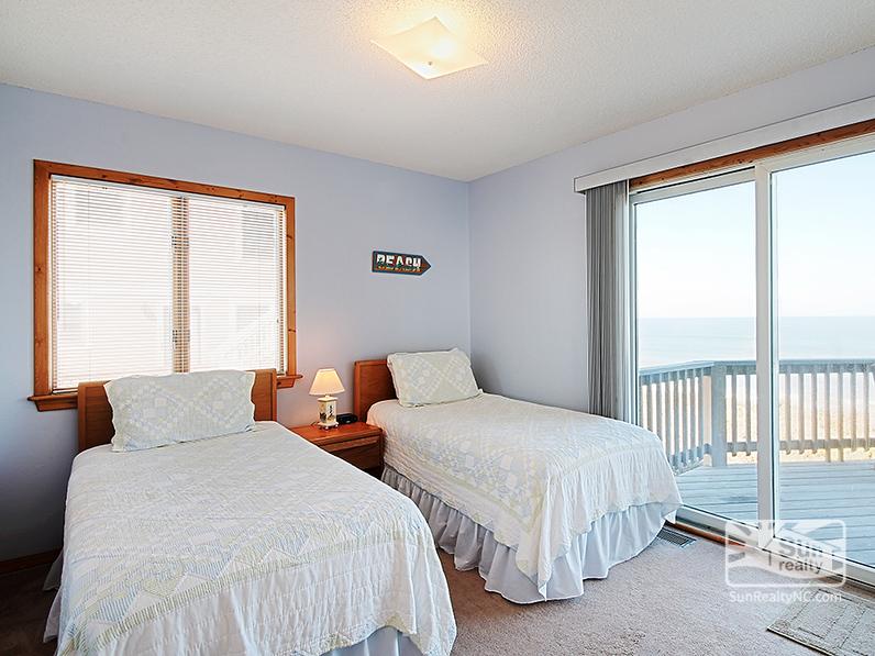 Main-Level Twin Bedroom w/ Ocean Views