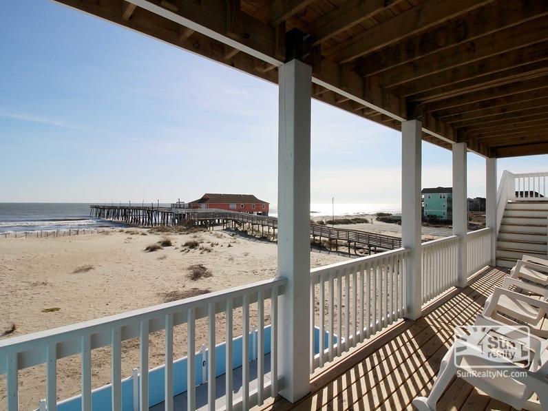 Mid-Level Oceanfront Deck