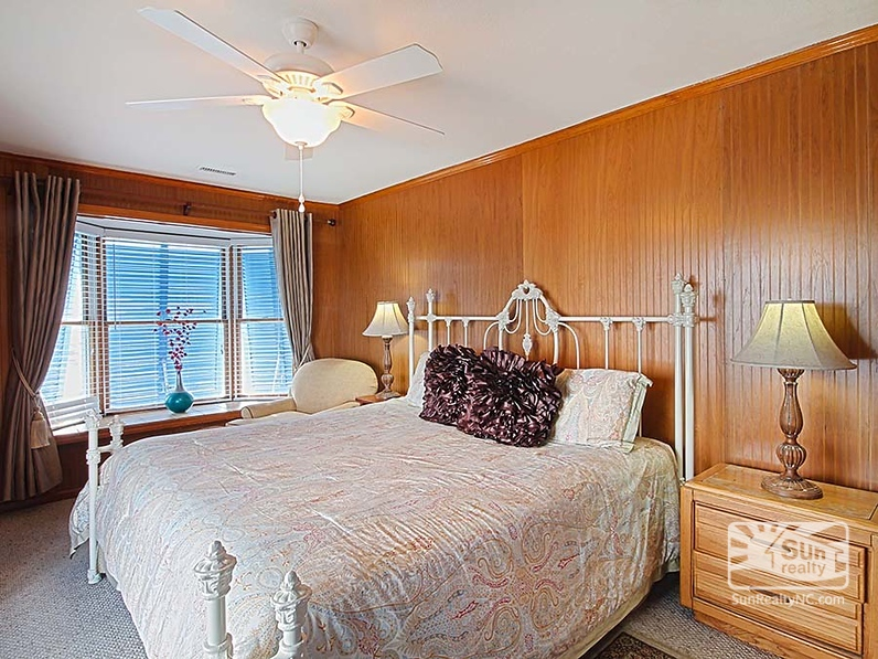 Second-Level King Master Bedroom