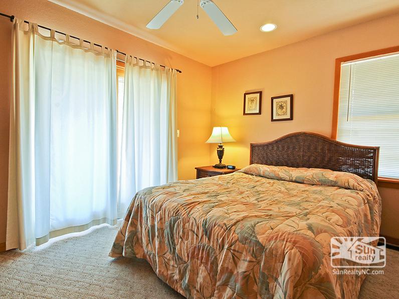 Mid-Level Queen Bedroom