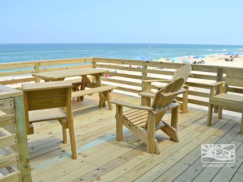 Oceanfront Deck with Seating