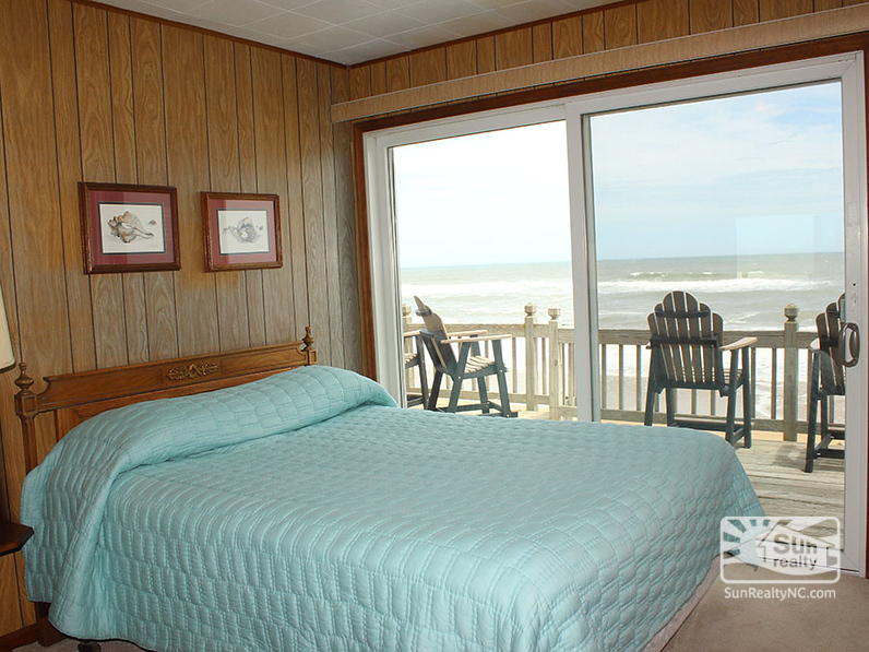 Queen Bedroom w/ Ocean Views