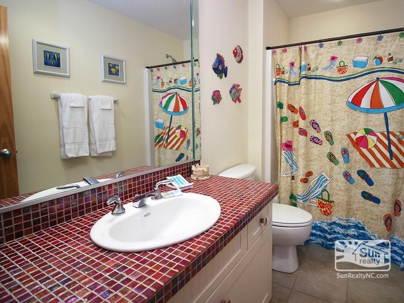 Mid-Level Hall Bathroom